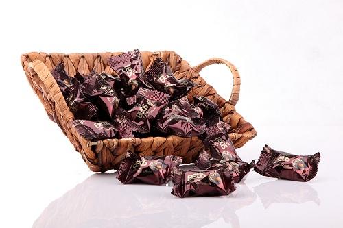 شکلات ایرانی کادویی