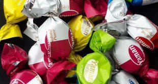 خرید شکلات لواشکی یامان